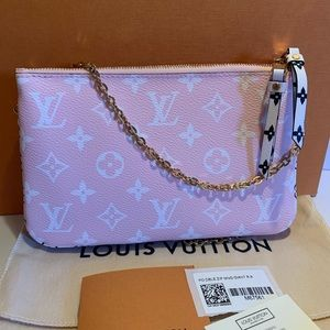 BNIB Louis Vuitton Pochette Double Zip LE